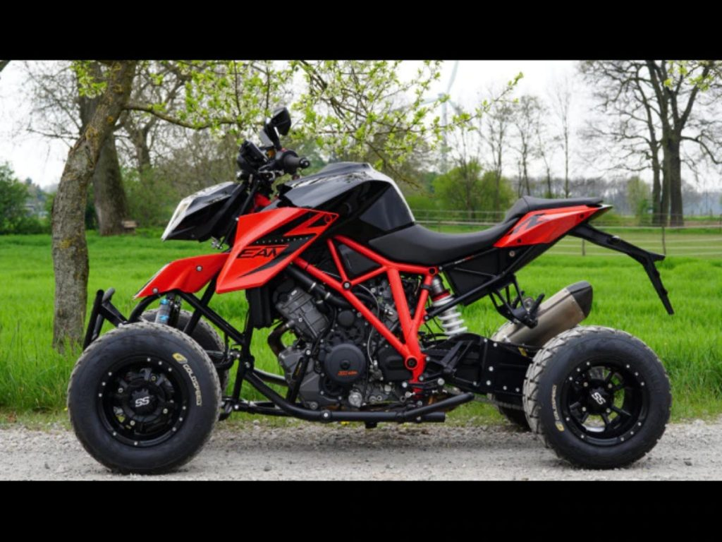 This is a quad-bike based on a KTM 1290 Super Duke.