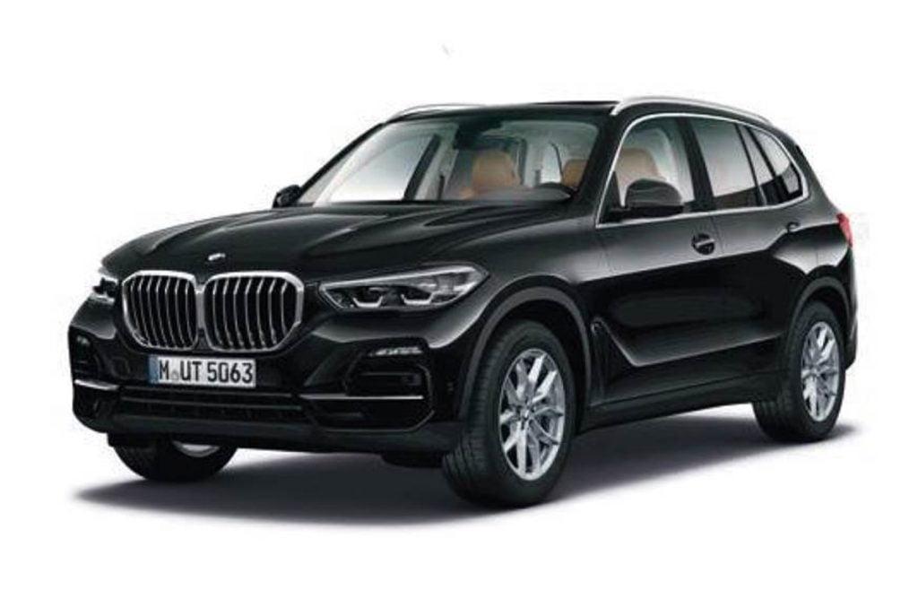 BMW a lancé une nouvelle variante SportX d'entrée de gamme du X5 en Inde.