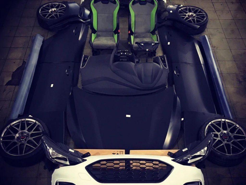 Cette Focus Speedster est propulsée par le moteur turbo essence de 2,0 L de Ford avec une puissance de 252 ch.