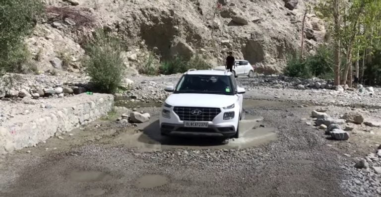 See How Does Hyundai Venue Perform While Off-Roading In Ladakh