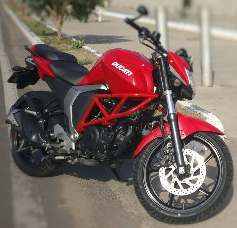 This Yamaha FZ S Is Modified Into A Ducati Monster Look-Alike