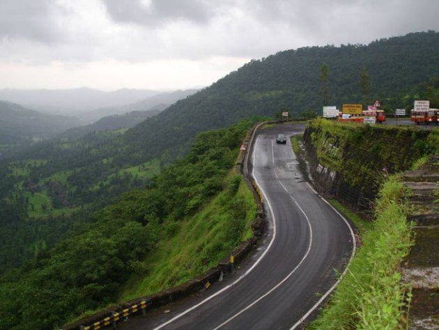 The route through the Western ghats through Southern Maharashtra is the more scenic one for Mumbai-Goa motorcycle road trip.