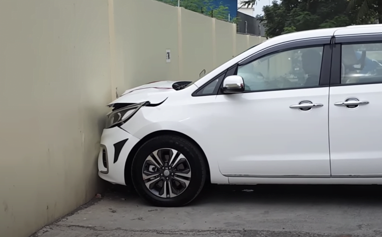 Brand New Kia Carnival Crashes Into A Wall While Leaving The Showroom