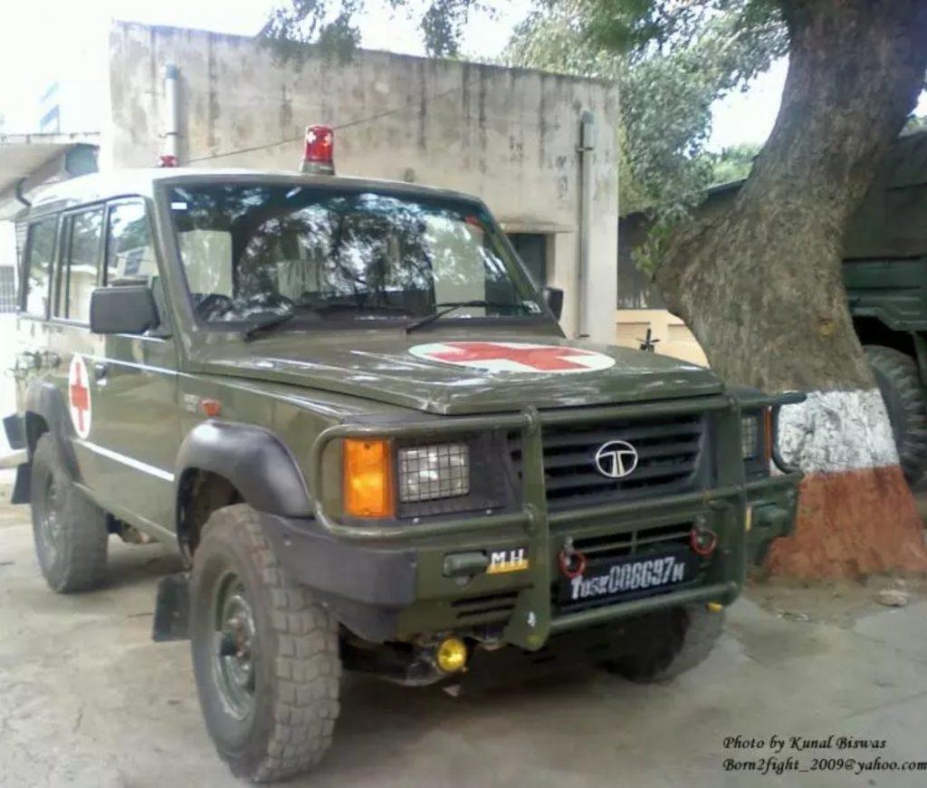 Notre armée a également utilisé le Sumo 4x4 comme véhicule personnel ou comme voiture d'ambulance
