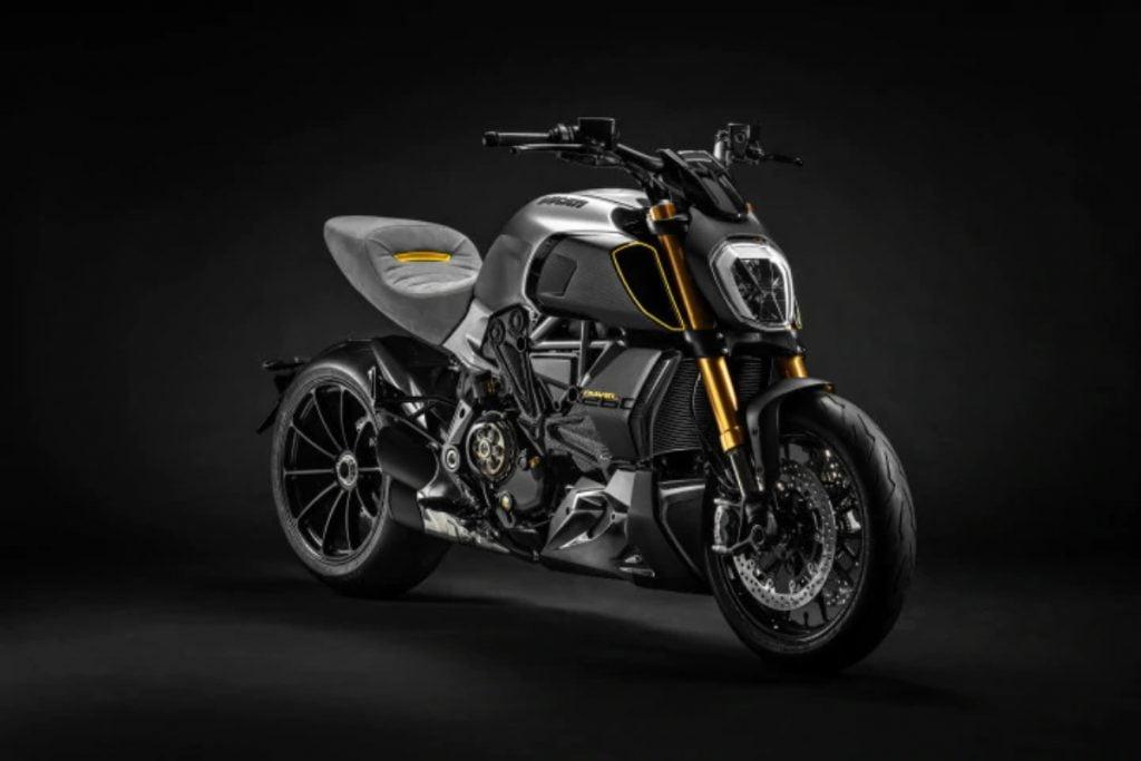 Ducati construit un modèle en édition limitée de la Diavel 1260 S en collaboration avec Lamborghini.