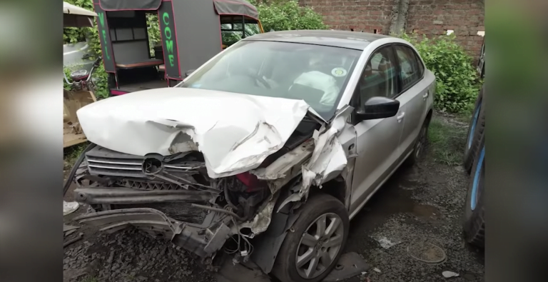Volkswagen Vento Crashes Into A Truck At 110 Km/Hr – See The Impact