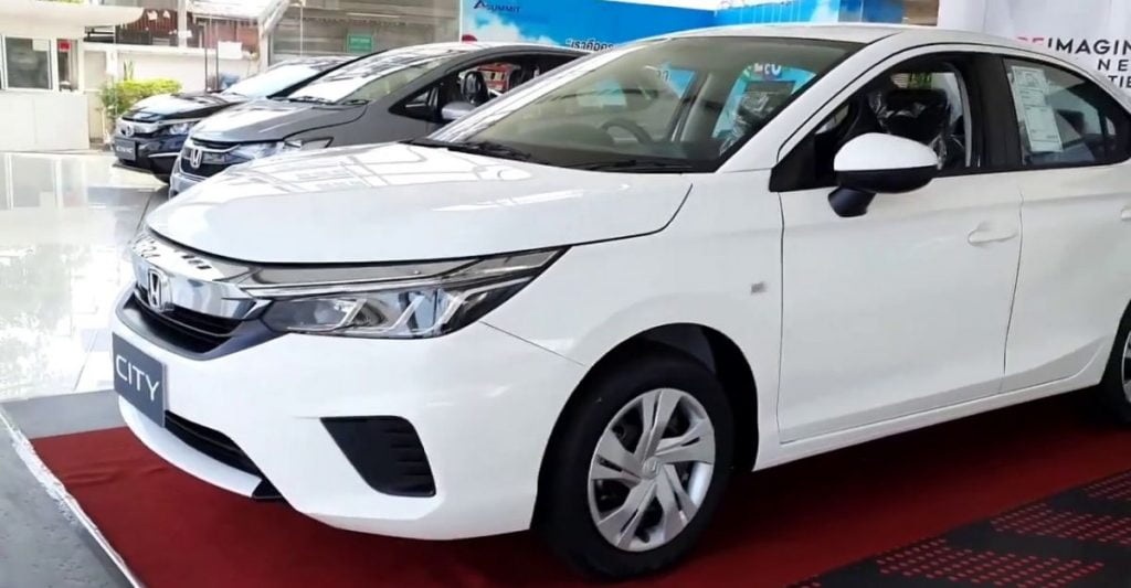 Here's a walk-around of the new base V trim of the Honda City showing its features inside out.