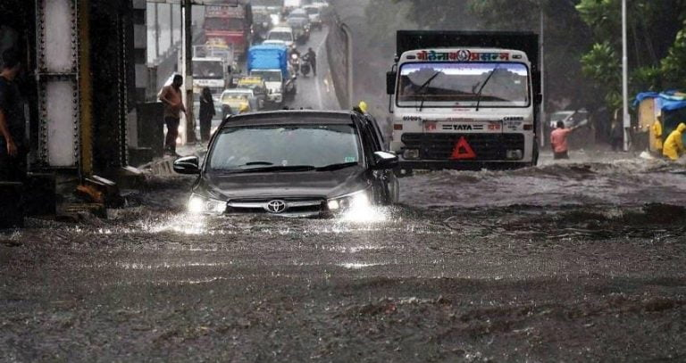 Here's A Toyota Innova Going Easily Through The Floods Of Mumbai