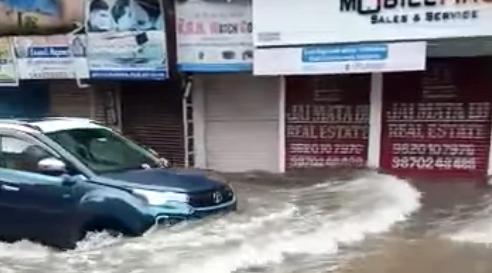 Check Out This Tata Nexon EV Going Through The Mumbai Floods Easily