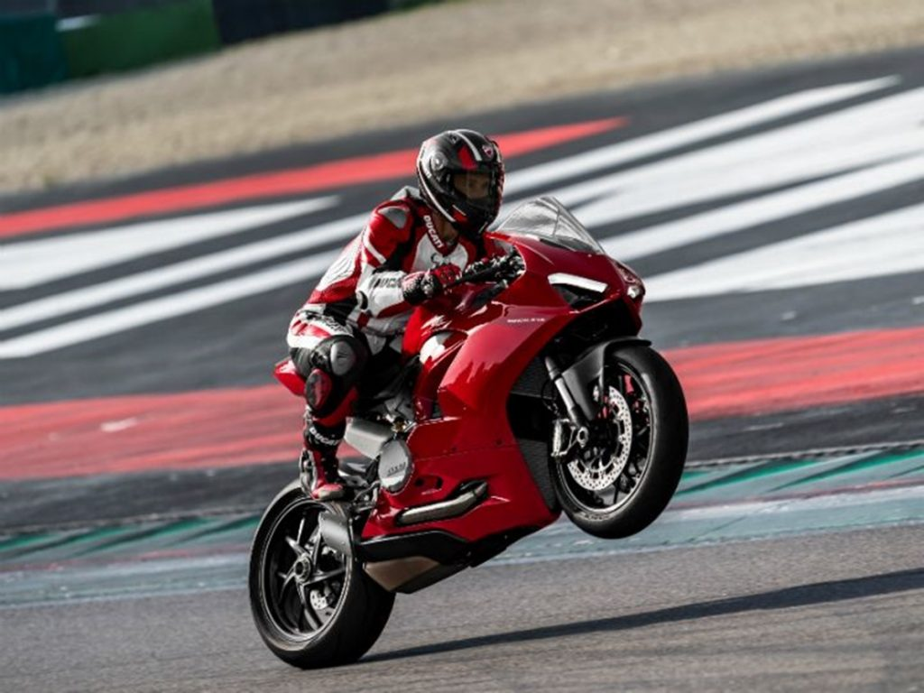 Ducati has finally launched the Panigale V2 in India for a price of Rs 16.99 lakh (ex-showroom India).
