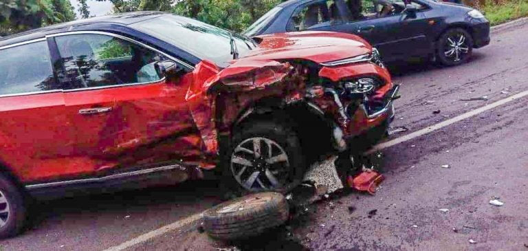 Tata Harrier Facelift Crashes Into A Hyundai Xcent – See The Impact