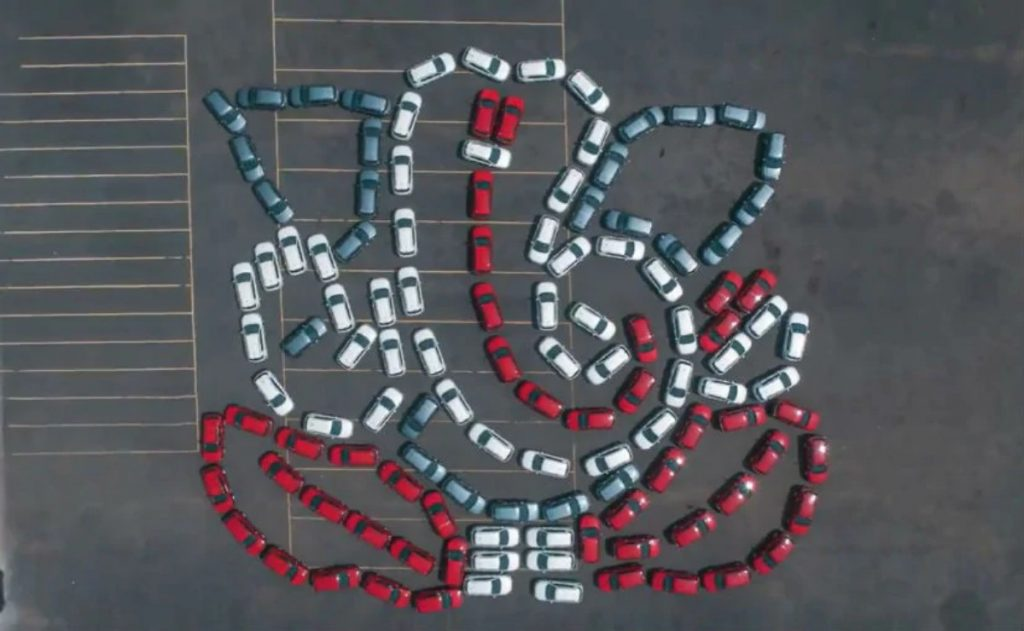 Jeep India used 122 units of the Compass SUV to create a one-of-a-kind Ganpati idol at their Ranjangaon facility near Pune.
