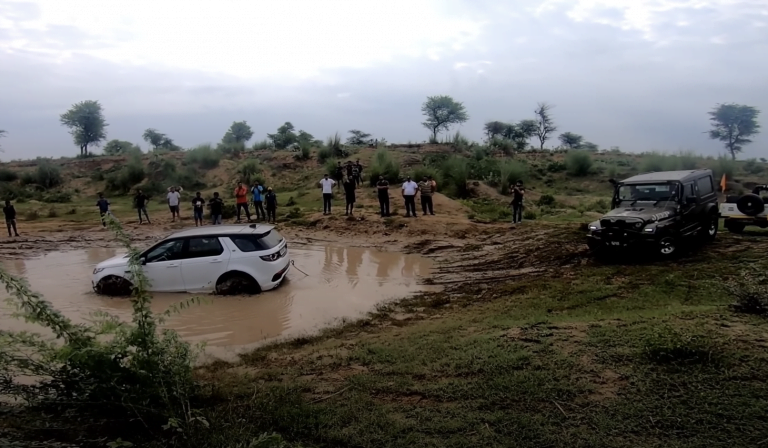 See This Mahindra Thar Rescuing Land Rover Discovery Stuck In Water