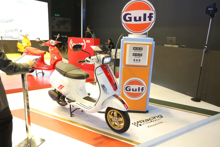 Vespa SXl 125 and SXl 150 Racing Sixties Edition Launched at Very High Prices!
