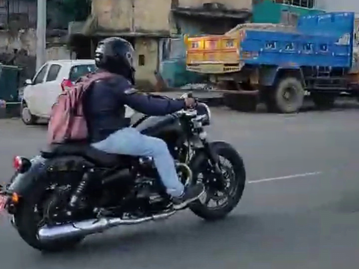 New Royal Enfield Roadster 650 Spotted Testing for the First Time!