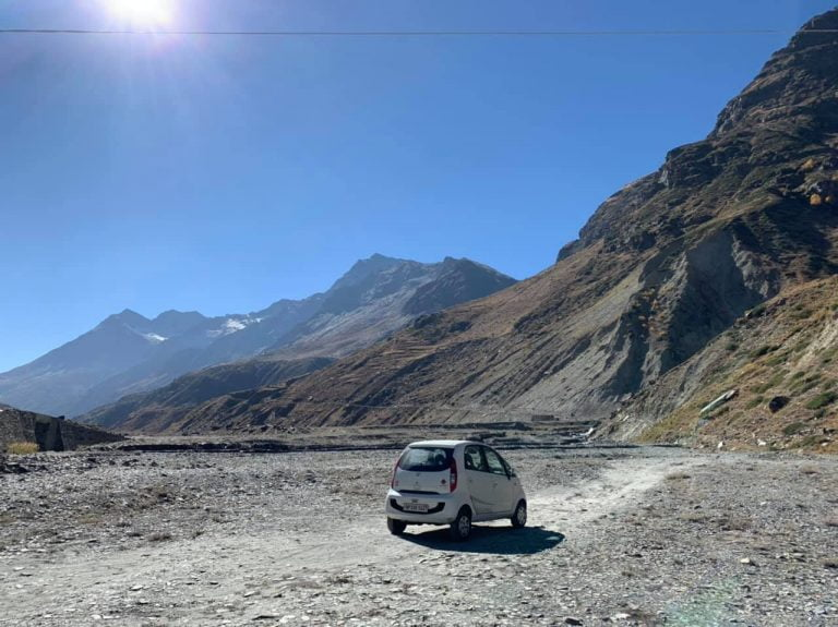 See Tata Nano Off-Roading Through The Baracha La Pass In Manali Easily