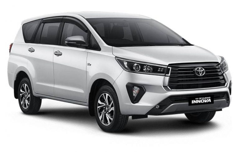 Toyota Innova Crysta Facelift Revealed; India Launch Next Year!