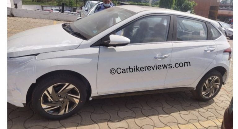 2020 Hyundai i20 Spotted With Sunroof And Fully Digital Instrument Cluster