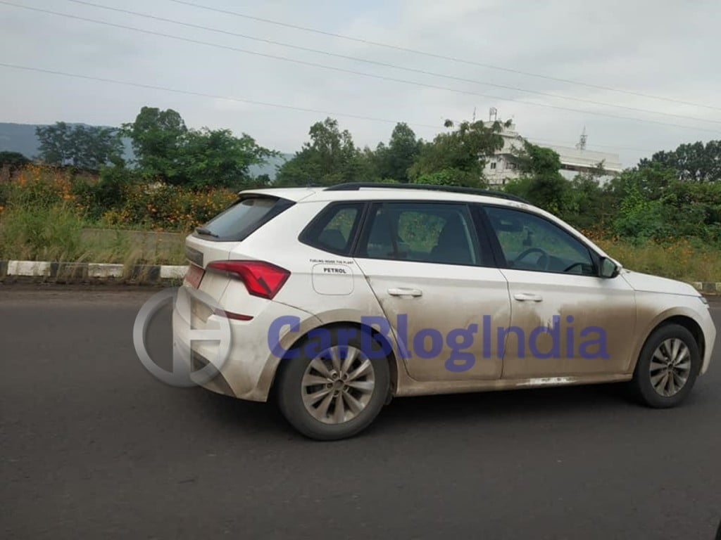 Now again, the Skoda Kamiq has been spotted testing on Indian roads
