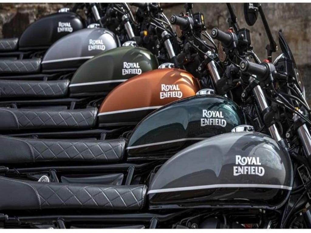 Les motos reçoivent des améliorations esthétiques ainsi que des améliorations de la suspension et des échappements Zard.