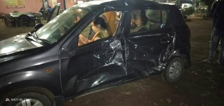 Speeding Truck Crashes Into Maruti Alto 800 From Side – See The Impact