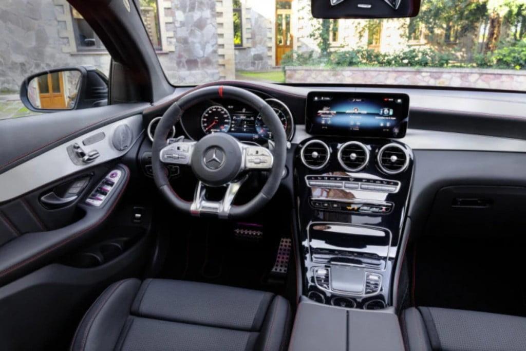 Intérieur du coupé Mercedes-AMG GLC 43