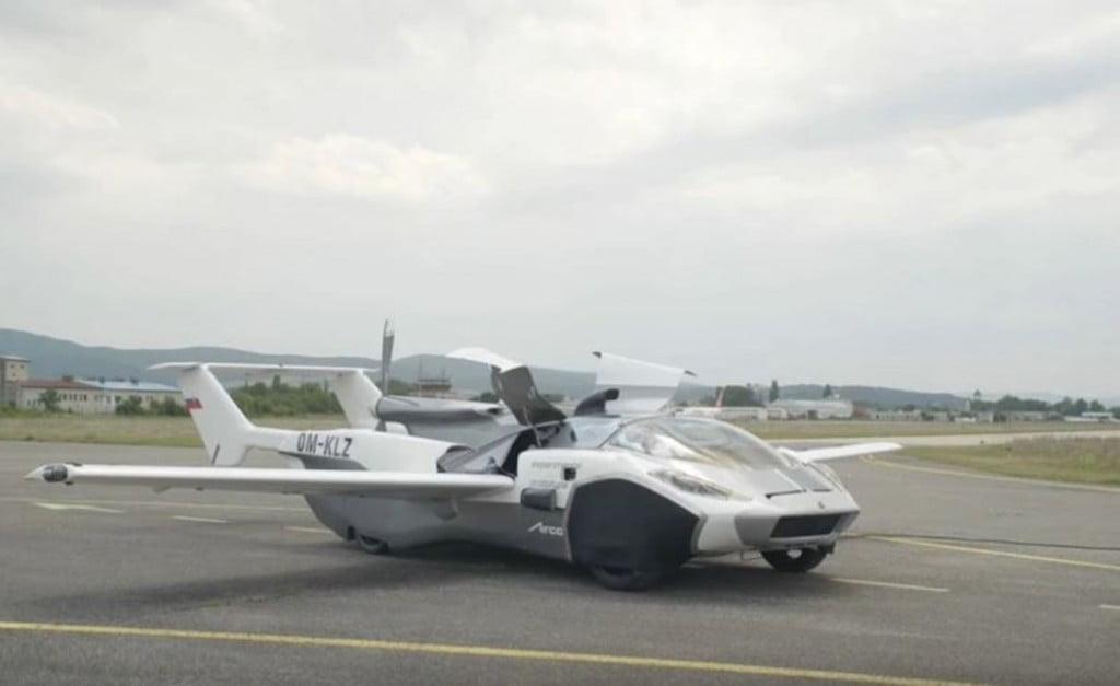 Une société slovaque nommée KleinVision a développé un prototype fonctionnel d'une voiture volante.