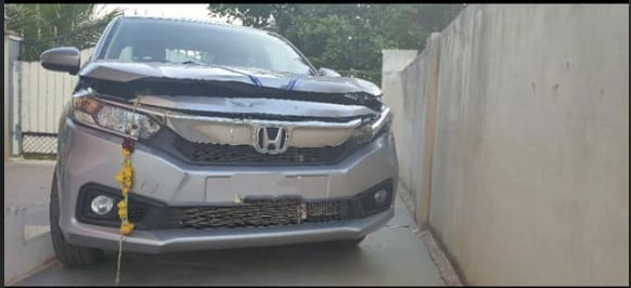 Honda Amaze Hits A Bullock Cart At 90 Km/Hr – Airbags Not Deployed!