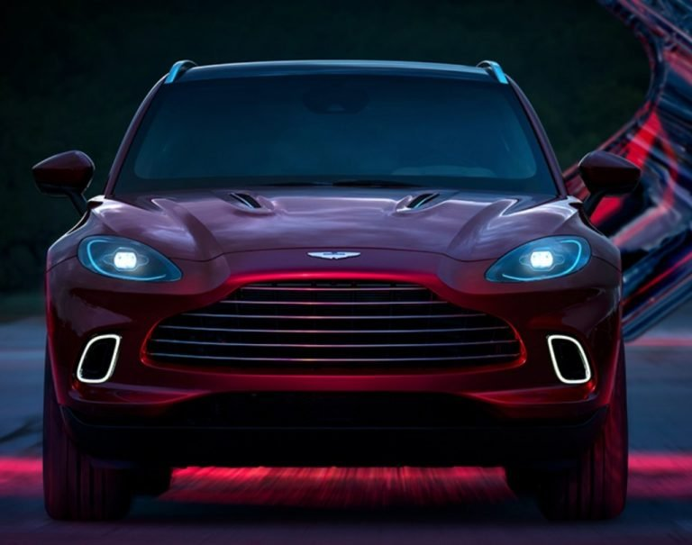 "Aston Martin DBX Launched In India With A ""Bond"" Price Of Rs 3.82 Crore!"