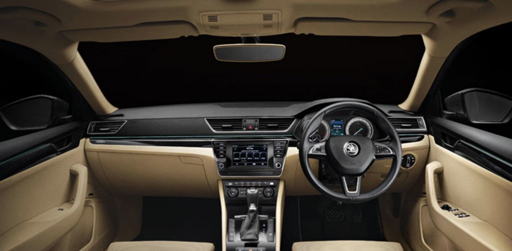 Skoda Superb 2021 Interior