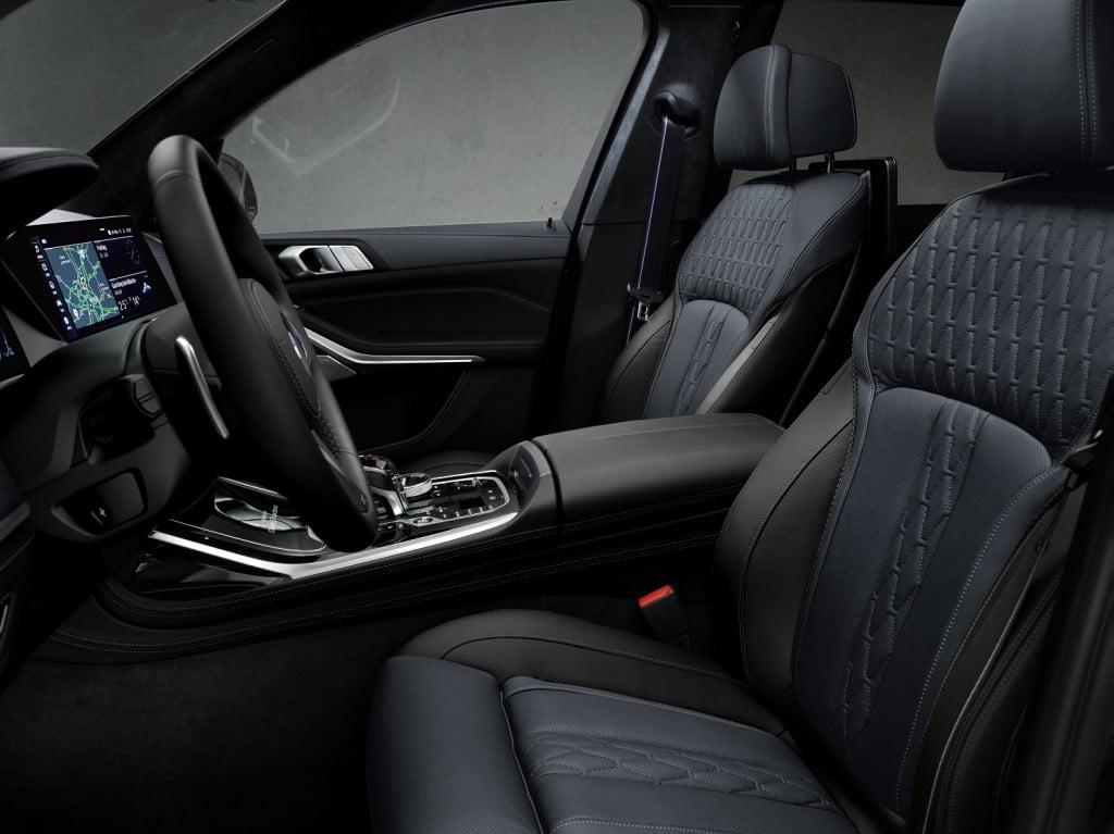 BMW X7 Dark Shadow Edition Interiors