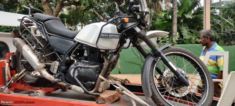 Royal Enfield Himalayan Chassis SPLITS Into Two While Riding