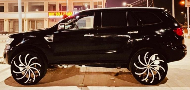 First-Ever Ford Endeavour With XXL-Size 28-Inchers – This is IT!