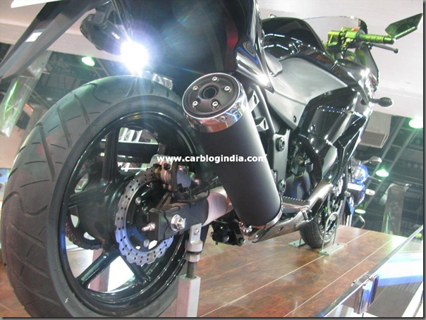 Bajaj Pular 250 with twin parallel cylinder engine