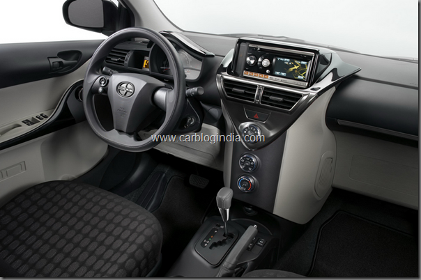 toyota-scion-iq-2011-interiors