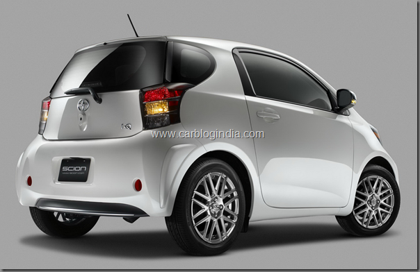 toyota-scion-iq-2011-side-and-rear